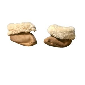 5/$25 Baby Gap's Faux Ugg Style Boot Slippers